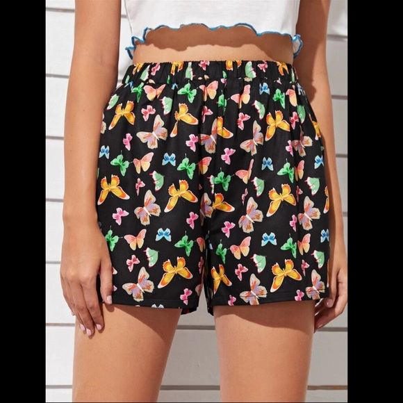 SHEIN Pants - Gorgeous black butterfly shorts! NEW!🦋💕🌞
